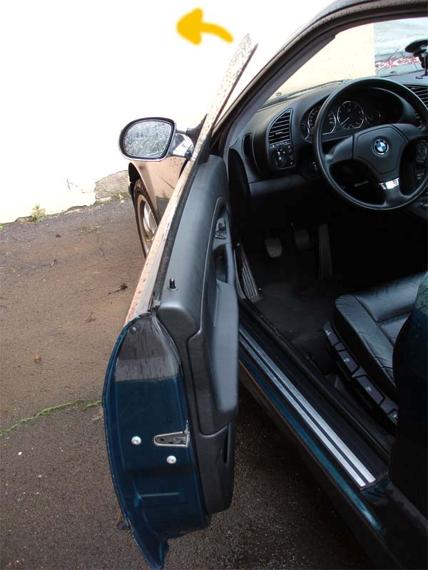 [BMW 323 i E36] Réglage des vitres avants sur coupé Vitre01